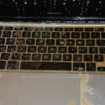 macbook-mojado